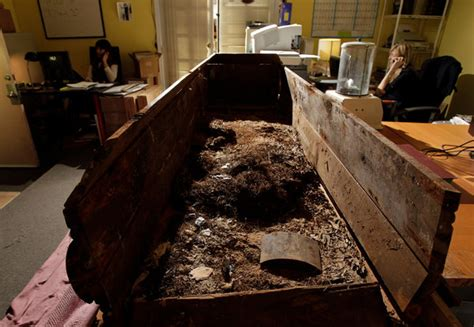 In a Texas Court, a Fight for Lee Harvey Oswald's Coffin