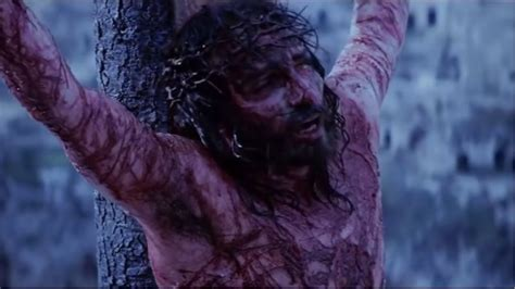 The Passion of the Christ Final Crucifixion Scene - YouTube